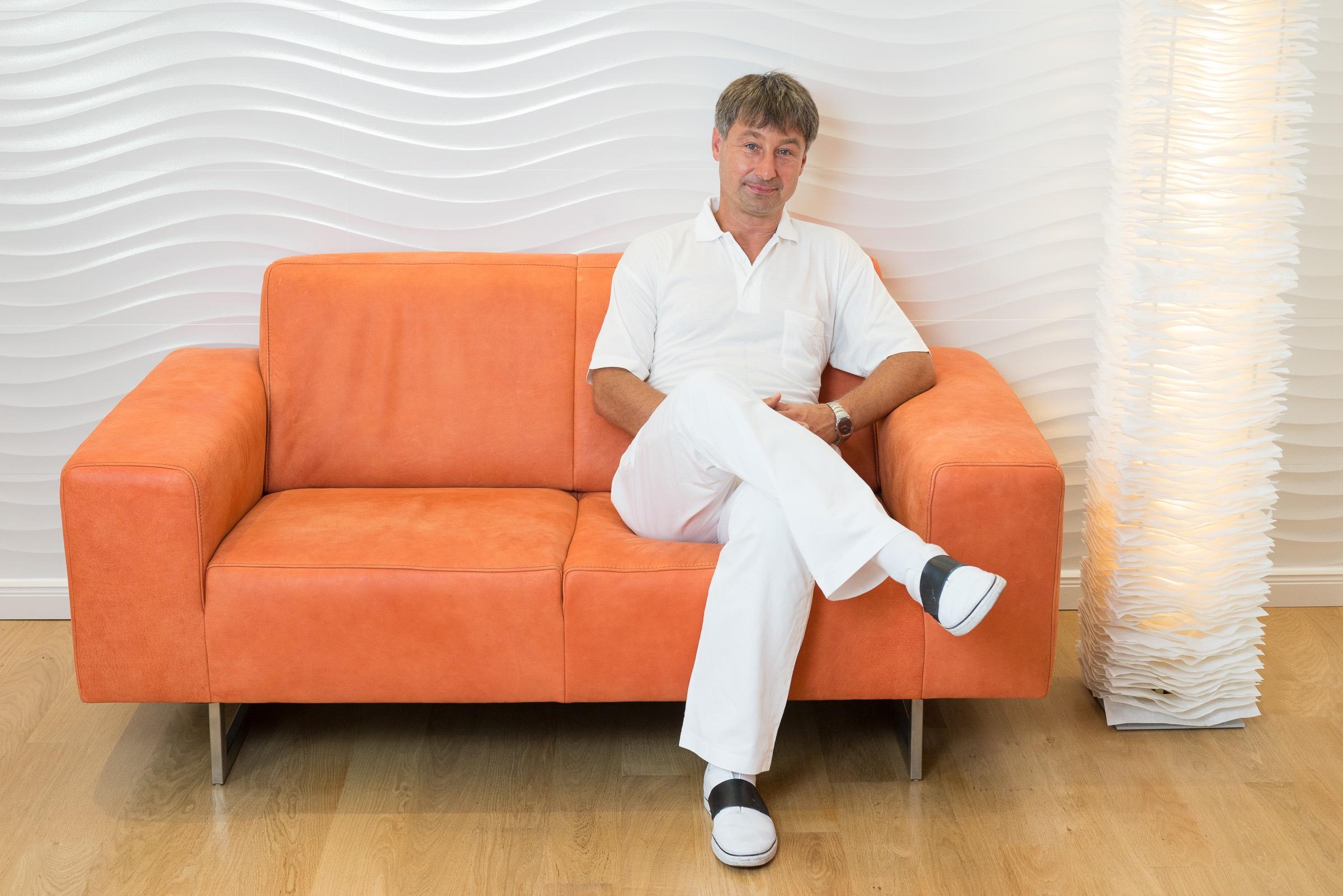 Foto Zahnarztpraxis Roger Barz Halle Auf Der Couch