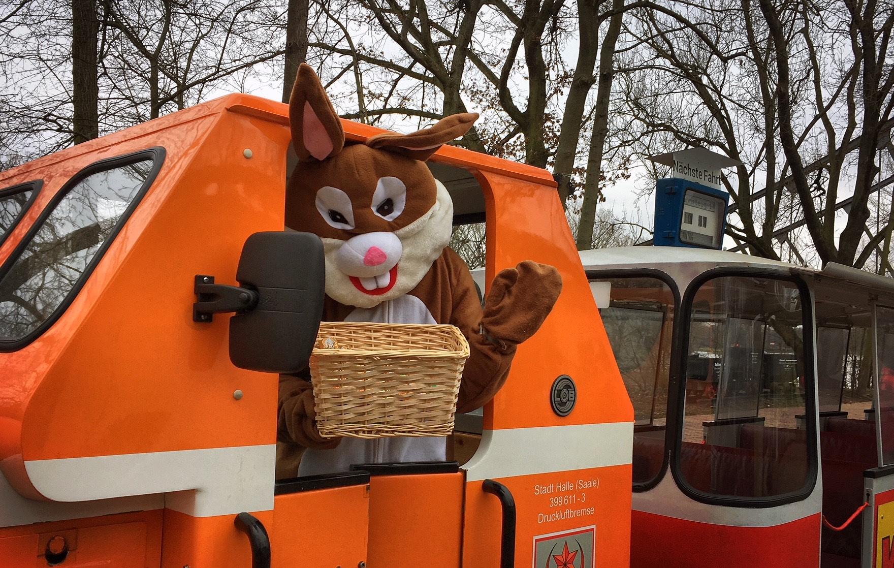 Osterhase Winkt Aus Pioniereisenbahn Halle Zahnarztpraxis Roger Barz Zahngesundheit Halle