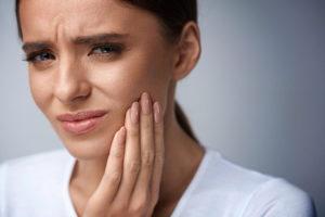 Zahnprobleme Frau Zahngesundheit Halle