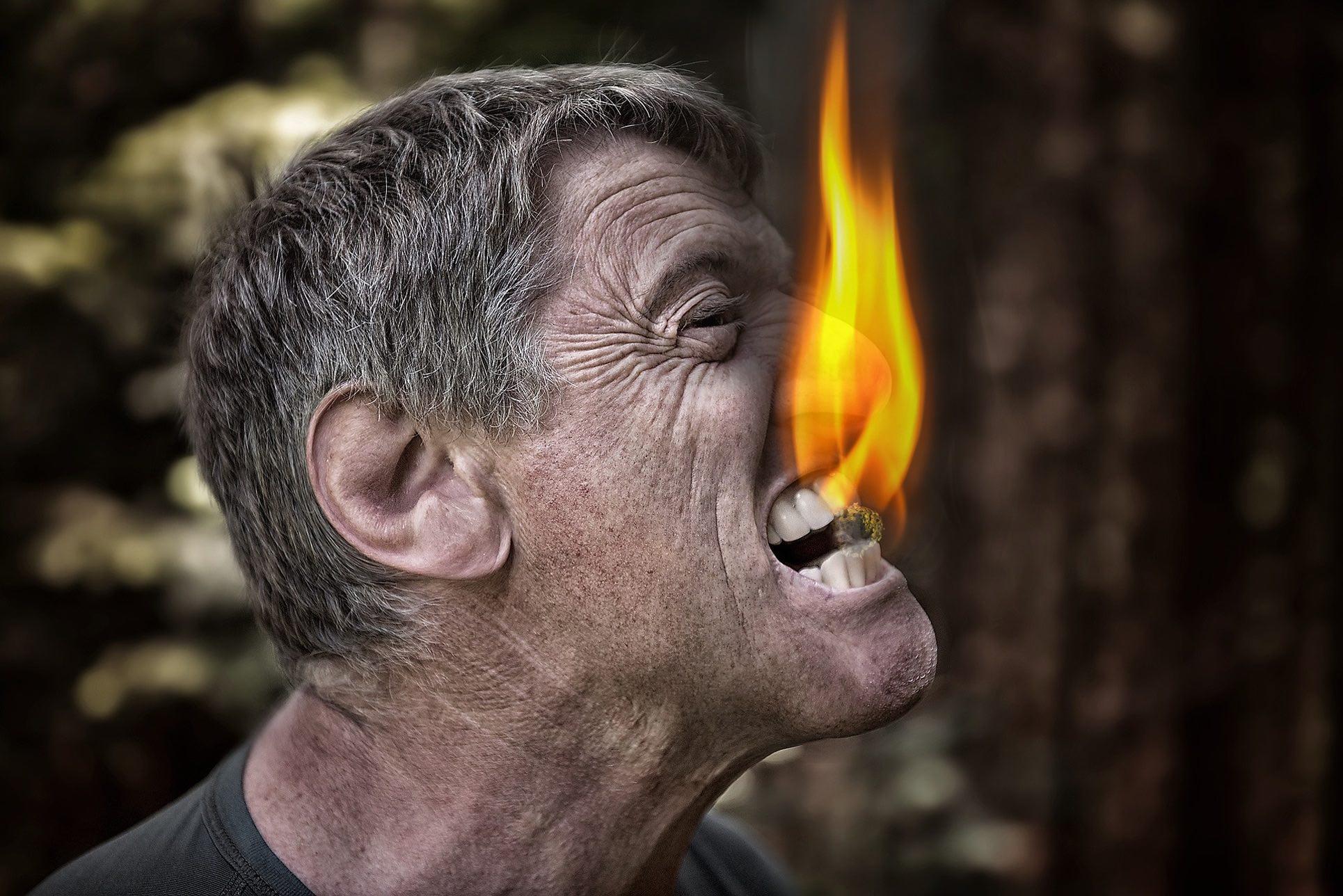 Mann Feuer Zahnarzt Roger Barz Halle