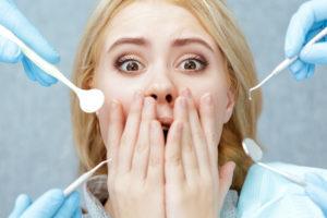 Mädchen Zahnarzt Untersuchung Zahngesundheit Halle