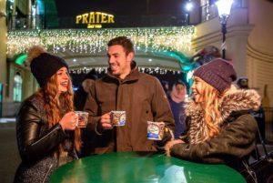 Weihnachtsmarkt Zahngesundheit Halle Glühwein trinken