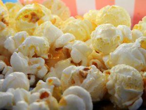 Weihnachtsmarkt Zahngesundheit Halle Popcorn im Haufen