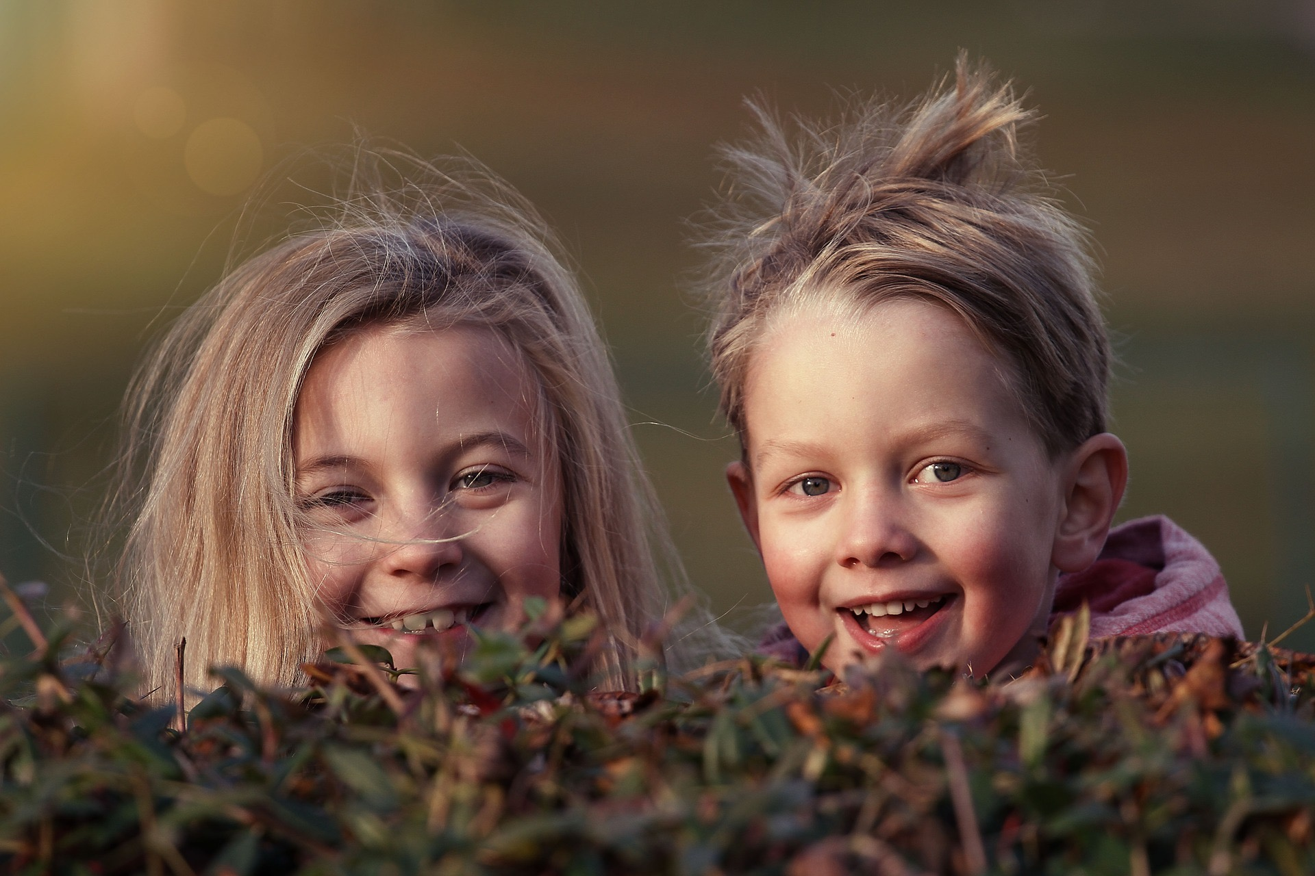 Glückliche-Kids-Zahnarztpraxis-Halle-Roger Barz