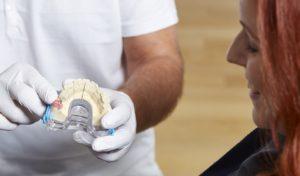 Aufklärung Implantat Zahnarztpraxis Roger Barz Halle