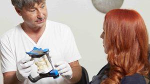Aufklärung vor Behandlung Zahnarzt Roger Barz Halle