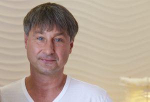 Porträt Roger Barz Zahnarzt Halle Saale