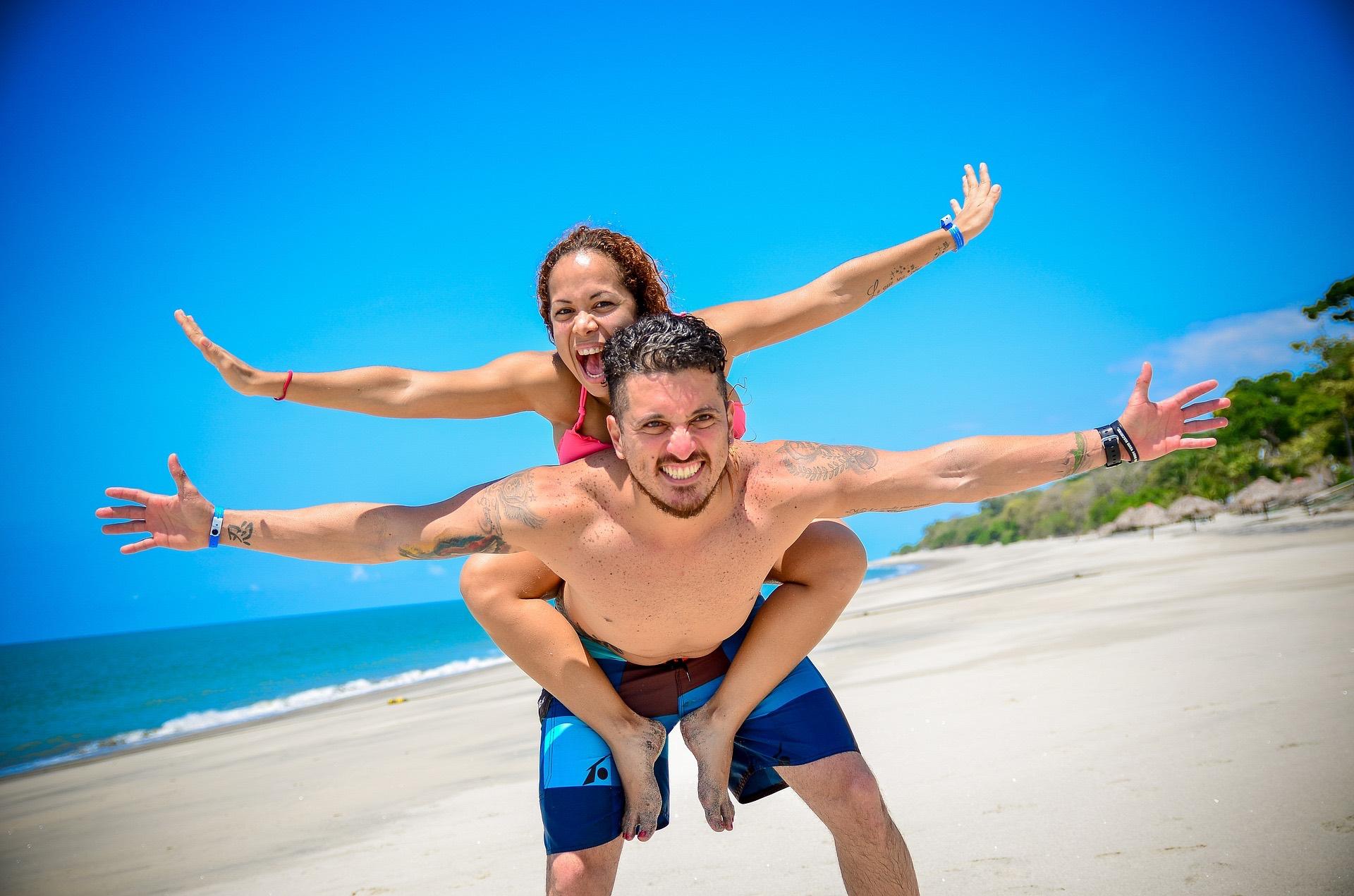 Paar Am Strand Zahnarztpraxis Roger Barz