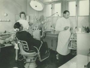 Historischer Zahnarzt Zahnarztpraxis Roger Barz Halle