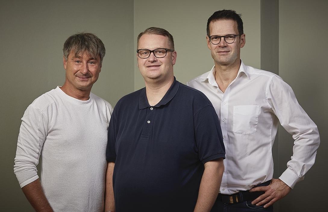 Drei Spezialisten Finden Endlich Zusammen