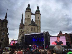 Benefiz Konzert Halle zusammen Zahnarzt Roger Barz