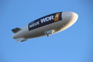 Luftschiff Reklame Zahnarzt Roger Barz Halle