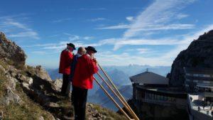 Alpenhorn Zahnschmerzen Schweiz Zahnarzt Roger Barz Halle