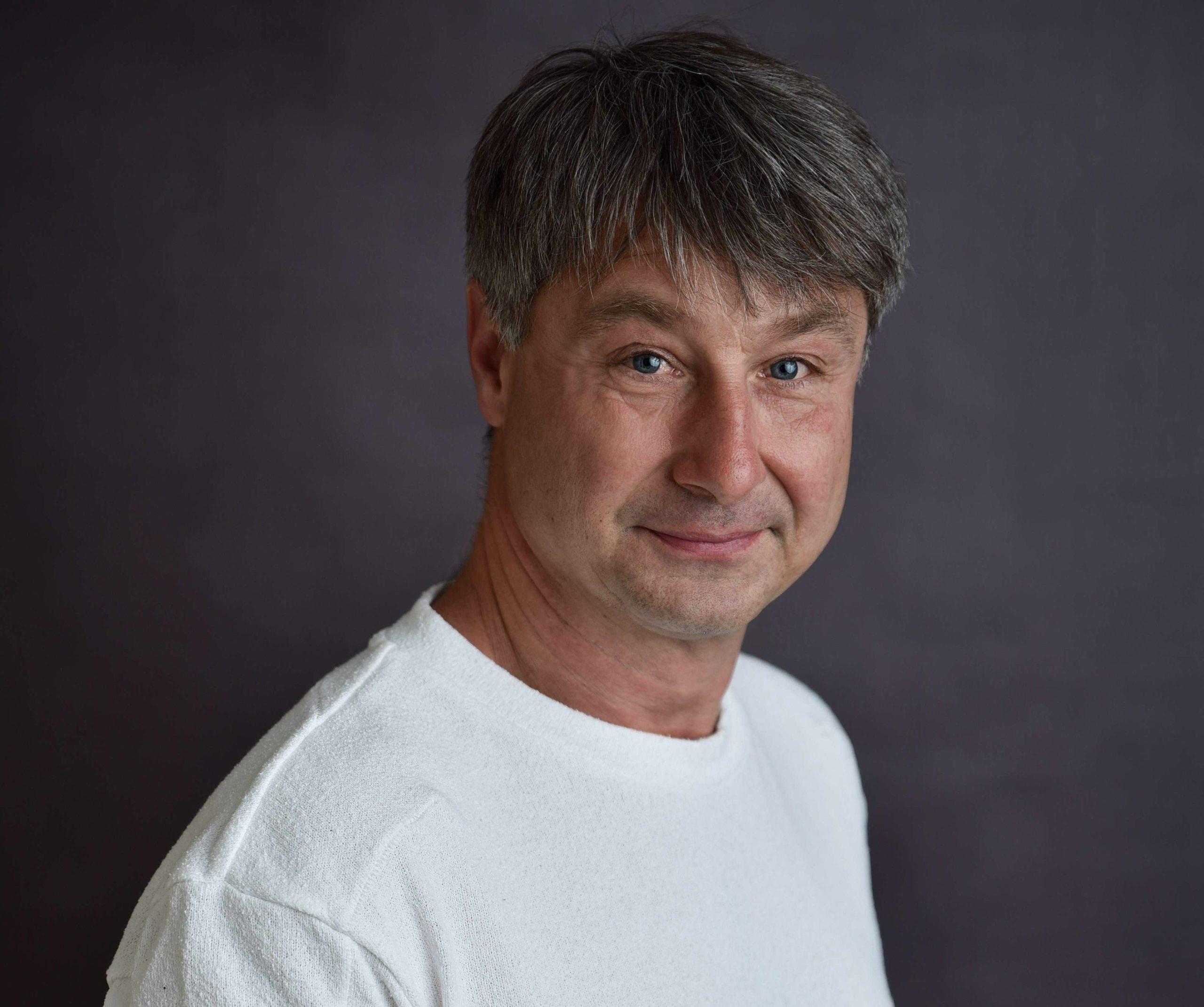Porträt Zahnarzt Roger Barz Halle