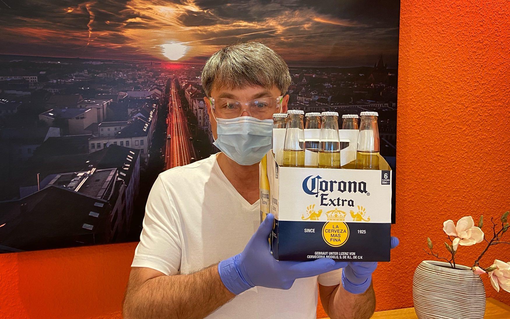 Corona Sixpack Zahnarzt Roger Barz Halle